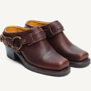 NWT Frye Oiled Leather Belted Harness Mule